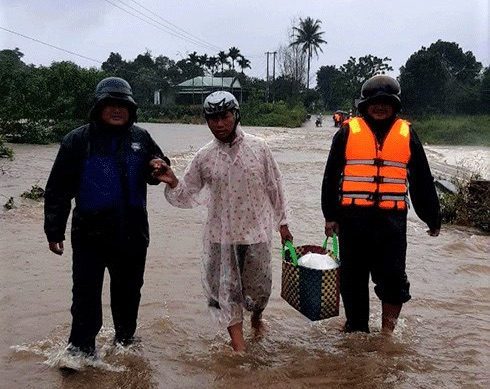 South-central Vietnam province tells students stay home, avoid flooding