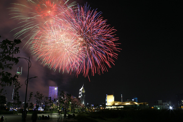 Vietnam's new decree allows fireworks during special events
