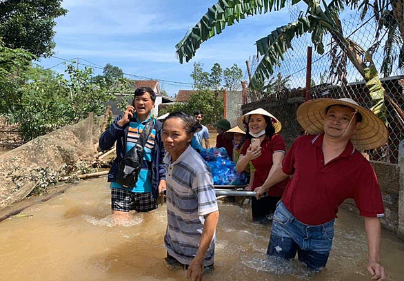 No student left behind: Teachers mobilize to help typhoon victims in central Vietnam