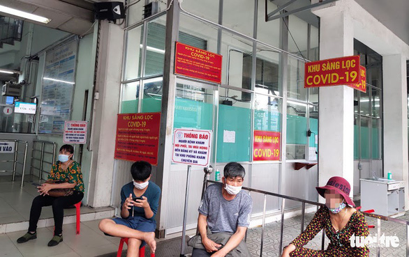 Hanoi man restests positive for COVID-19 just two days after hospital release