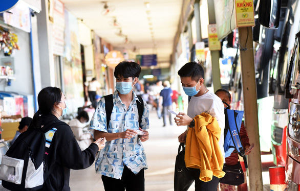 Vietnamese students flock home amid COVID-19 concern