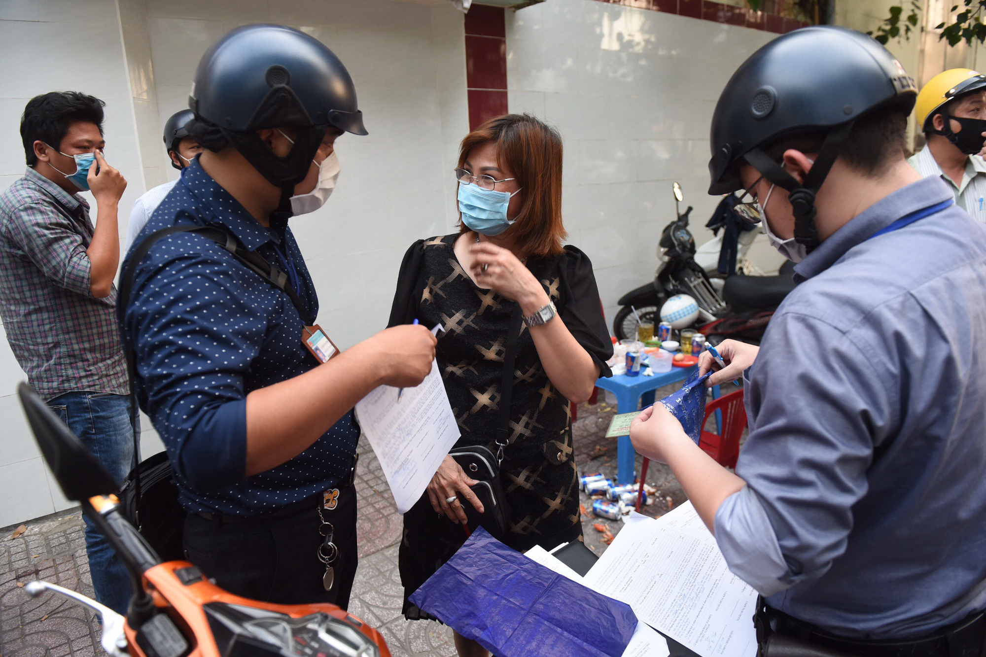 Ho Chi Minh City tightens face mask rule following detection of local COVID-19 cases