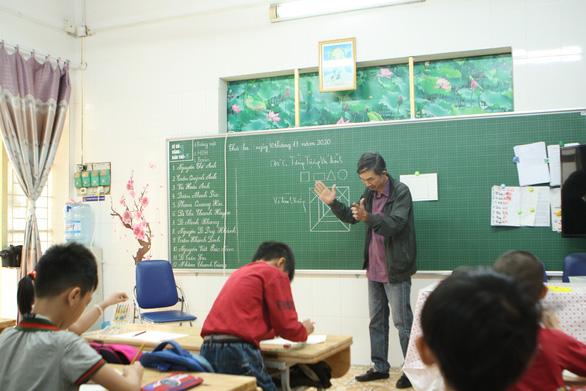Hanoi teachers connect with disabled children through parental love