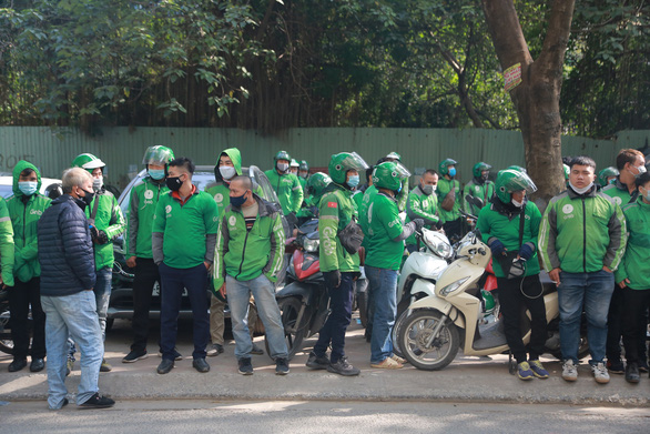Drivers strike in Hanoi to protest Grab's increased charges