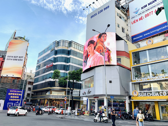 Outdoor advertising struggles to stay afloat in Ho Chi Minh City as major advertisers back out