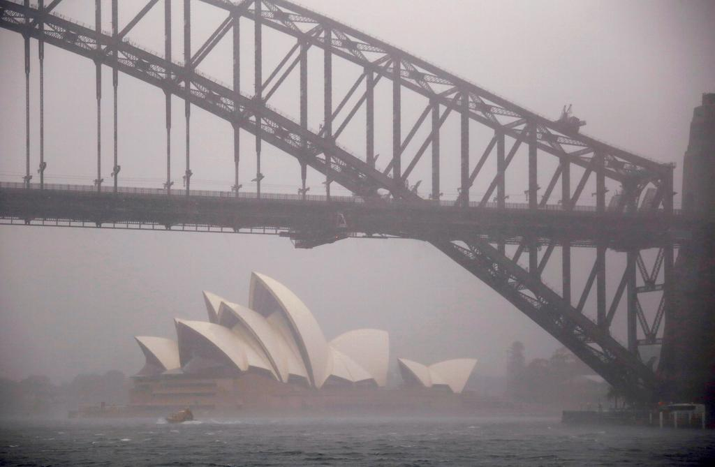 After fires, Australia gets ready for floods