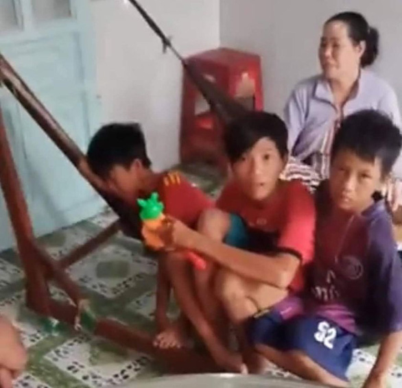 Vietnam boy, friends cycle more than 400km in five days to meet his parents