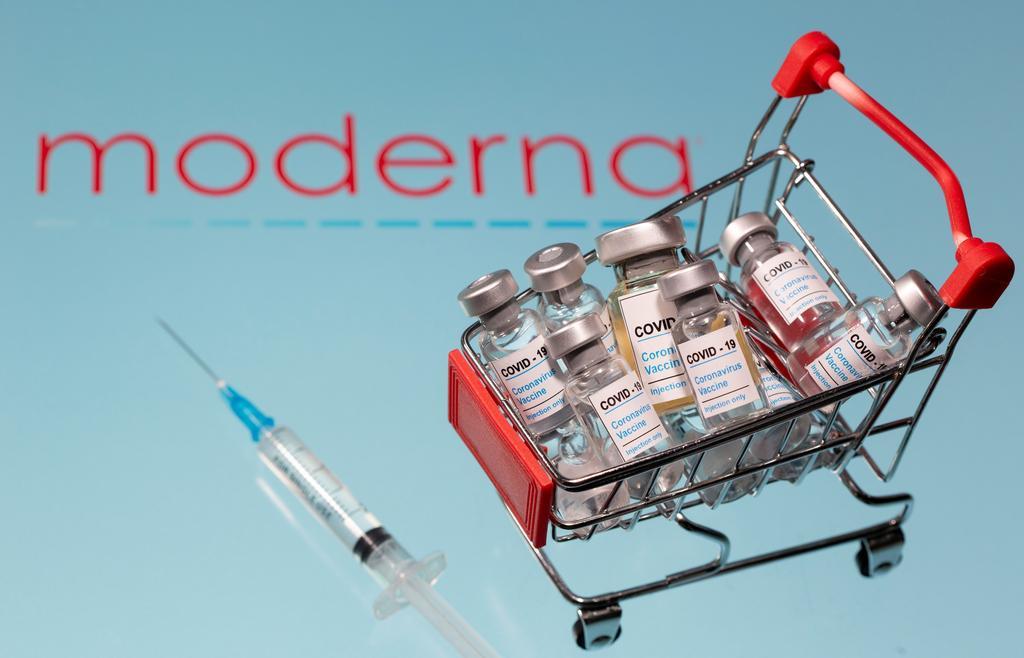 U.S. FDA advisory panel sets stage for Moderna vaccine authorization
