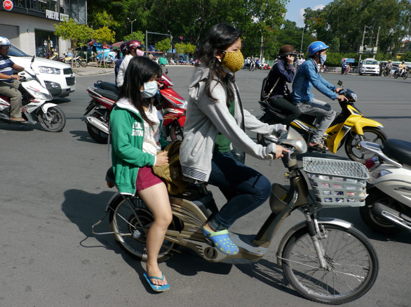 Vietnam to require driver's license for electric bicycles, mopeds