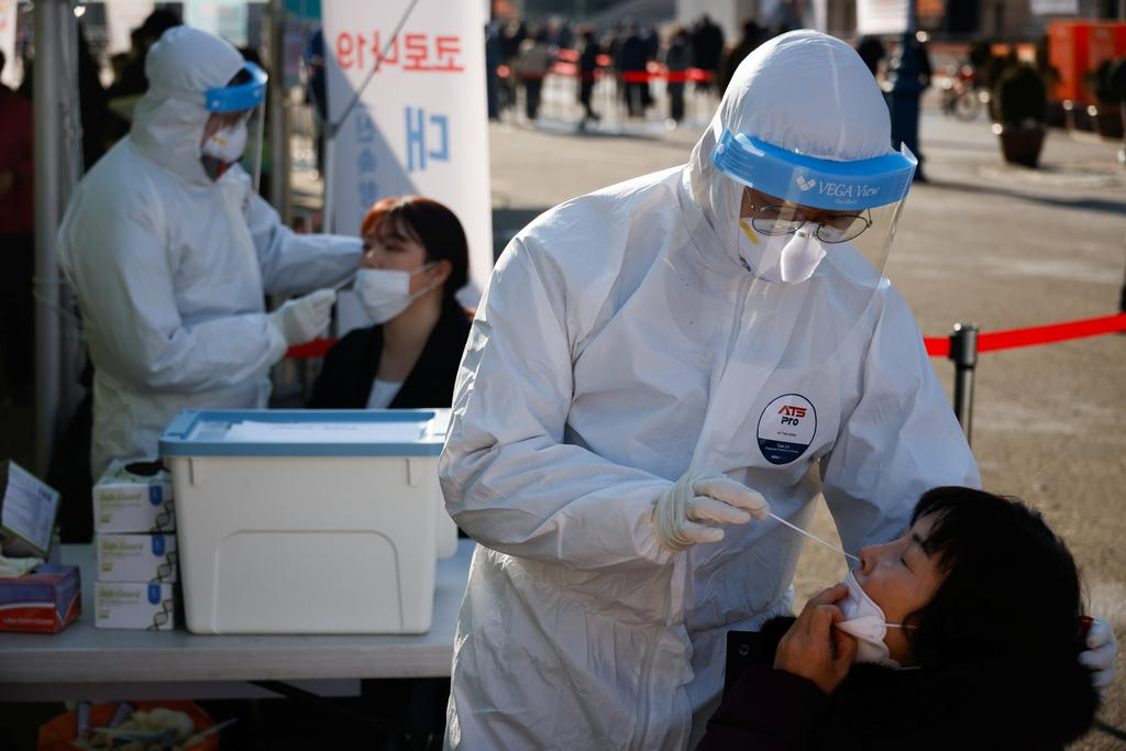 South Korea's capital to ban gatherings larger than four as coronavirus deaths rise