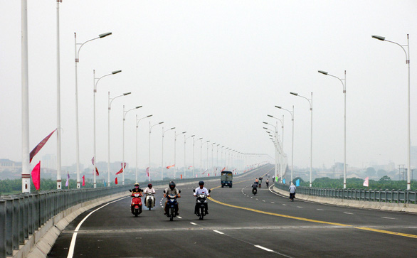 Hanoi conceives plan to build 10 more bridges over Red River
