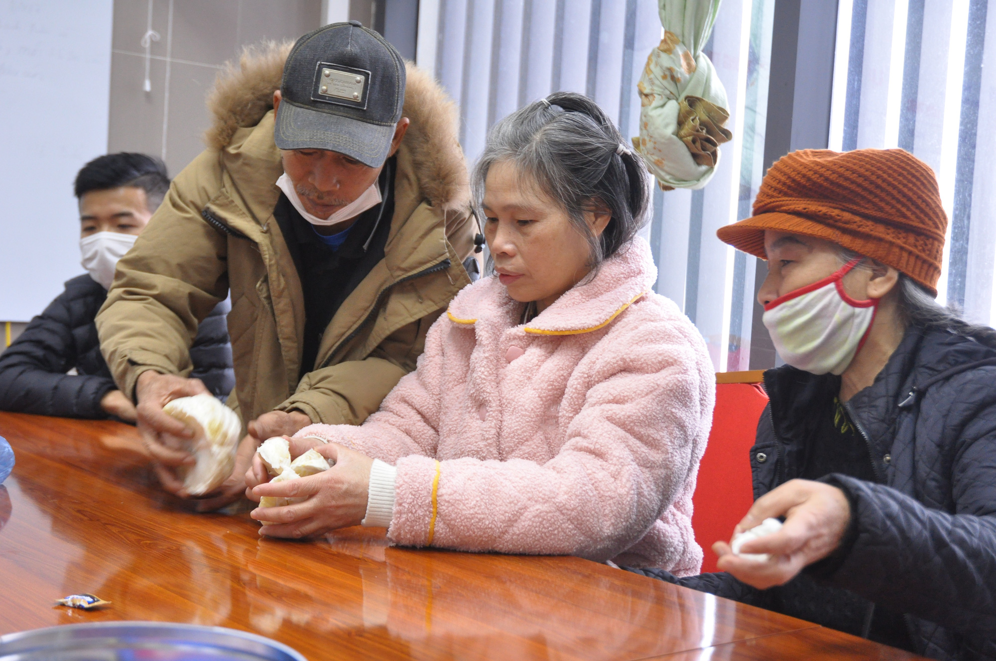 Vietnamese woman reunited with family after 24 years straying in China