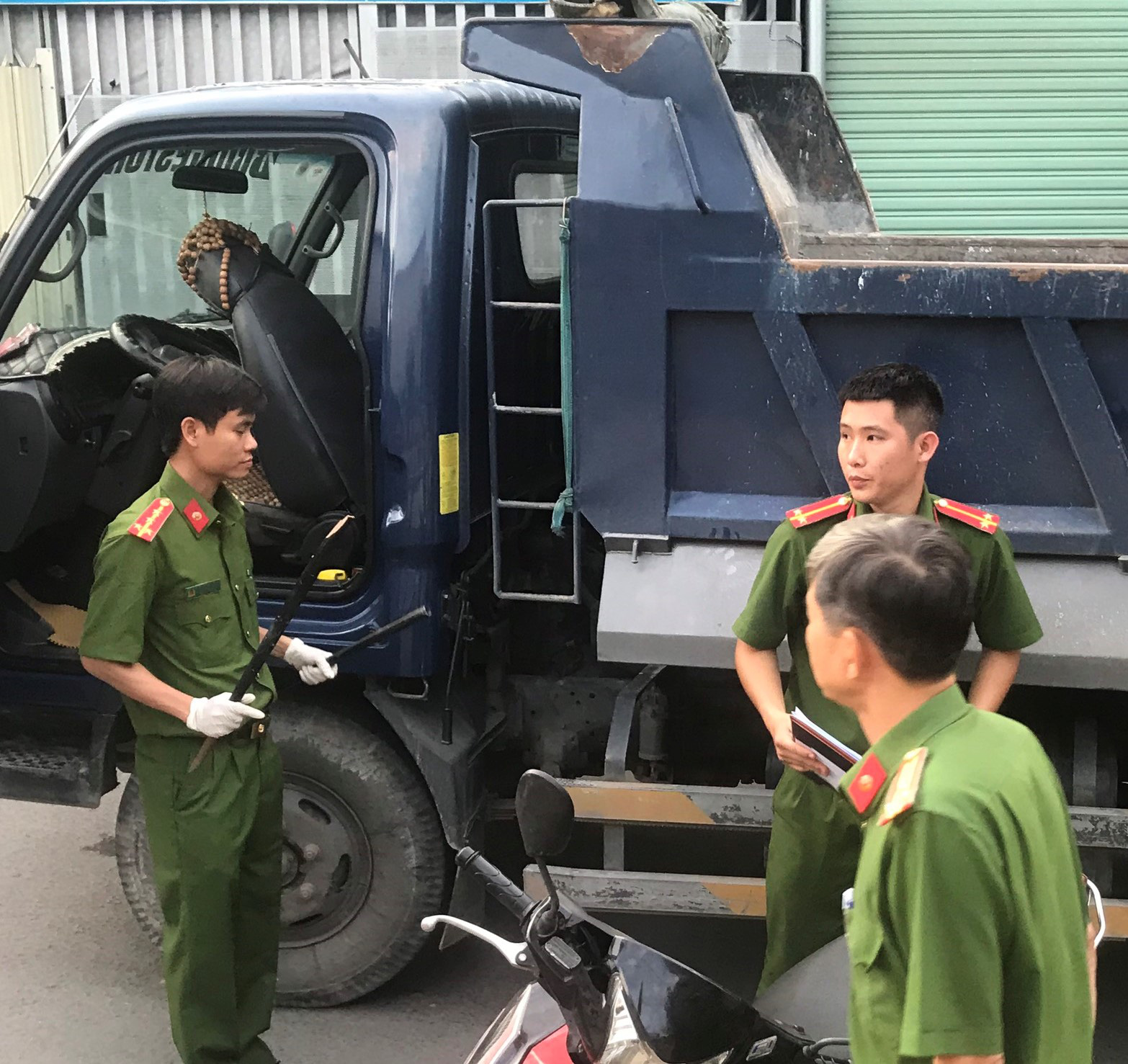 Cut-off Vietnamese trucker arrested for beating motorcyclist to death