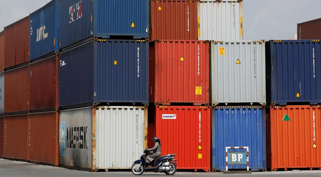 Vietnam likely recorded $1 billion trade deficit in December: preliminary data