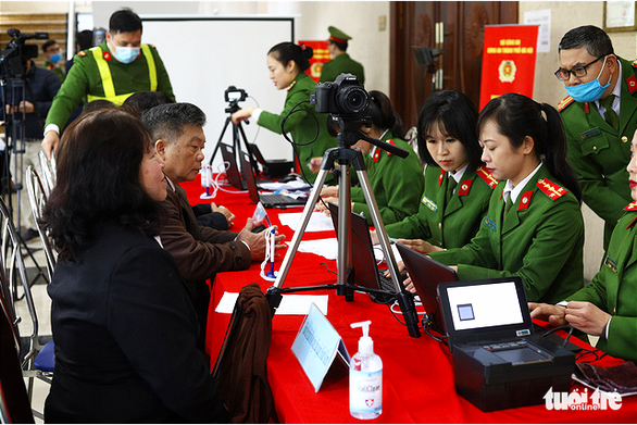 Hanoi begins chip-based ID card issuance