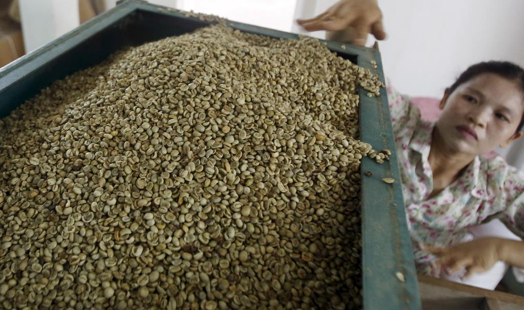 Asia Coffee-Trading slows in Vietnam on thin demand, Indonesia muted