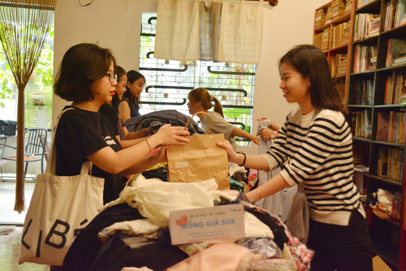 Ho Chi Minh City youth raise fund for underprivileged children by selling used items