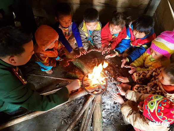 Vietnamese schools allow students to stay home during cold weather