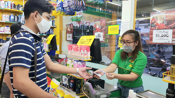 Deals and debts: Young people in Ho Chi Minh City turn to credit cards