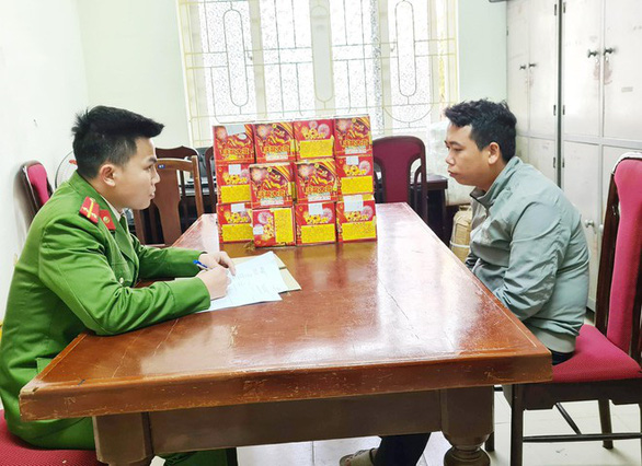 In Vietnam, commune police leader caught selling illegal firecrackers online