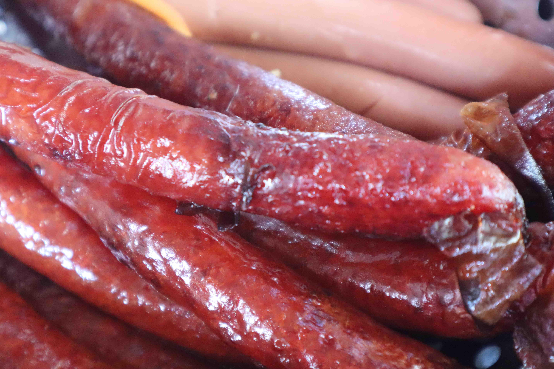 The homemade Chinese sausage at Com Tam Chi Nam, Tan Canh Street, Tan Binh District, Ho Chi Minh City. Photo: Nam Vuong / Tuoi Tre