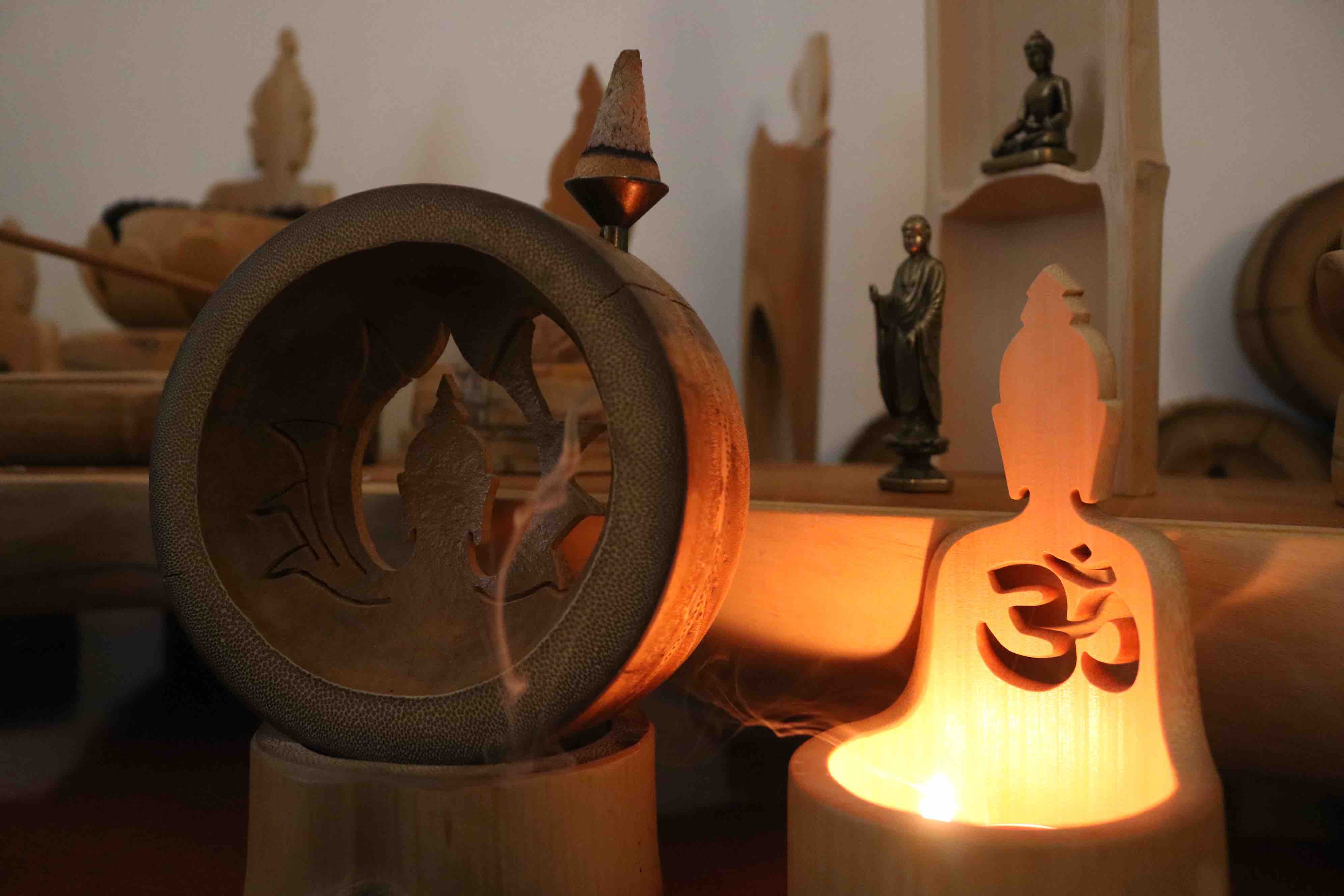 Vietnamese man carves spiritual icons on bamboo nodes