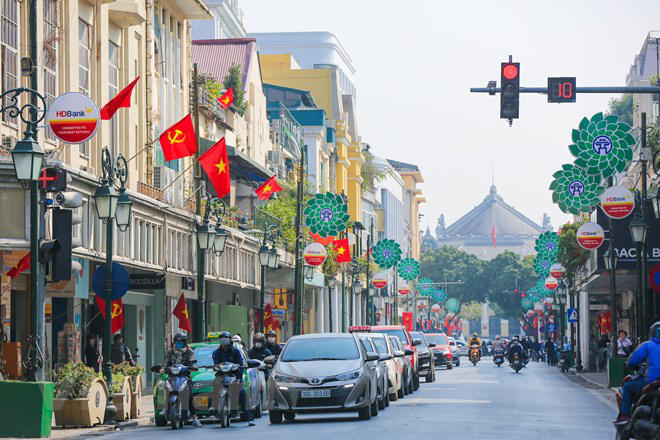 A street in Hanoi is decked out in flags to prepare for the 13th National Party Congress. Photo: Vietnam News Agency