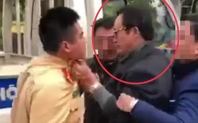 Vietnamese official filmed slapping traffic policeman after being pulled over for drunk driving