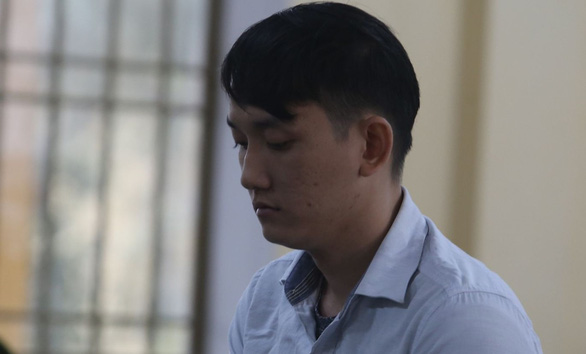 Employee jailed 10 years for stealing 455 taels of gold from boss