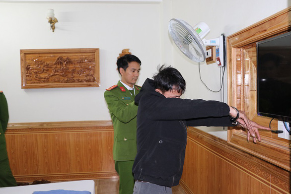Young men in Vietnam caught installing spy cameras in hotel to blackmail couples