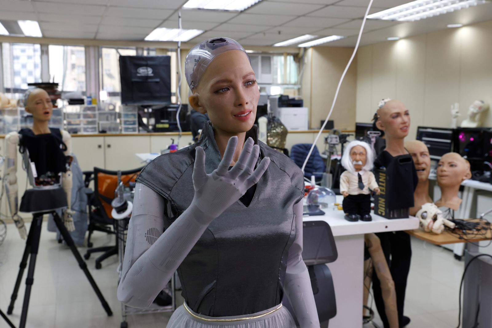 Humanoid robot Sophia developed by Hanson Robotics introduces herself at the company's lab in Hong Kong, China January 12, 2021. Photo: Reuters