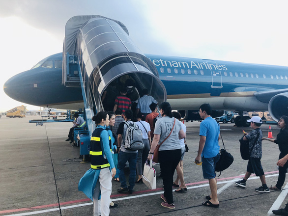 Three Vietnamese airlines requested to stop selling tickets in excess of allocations