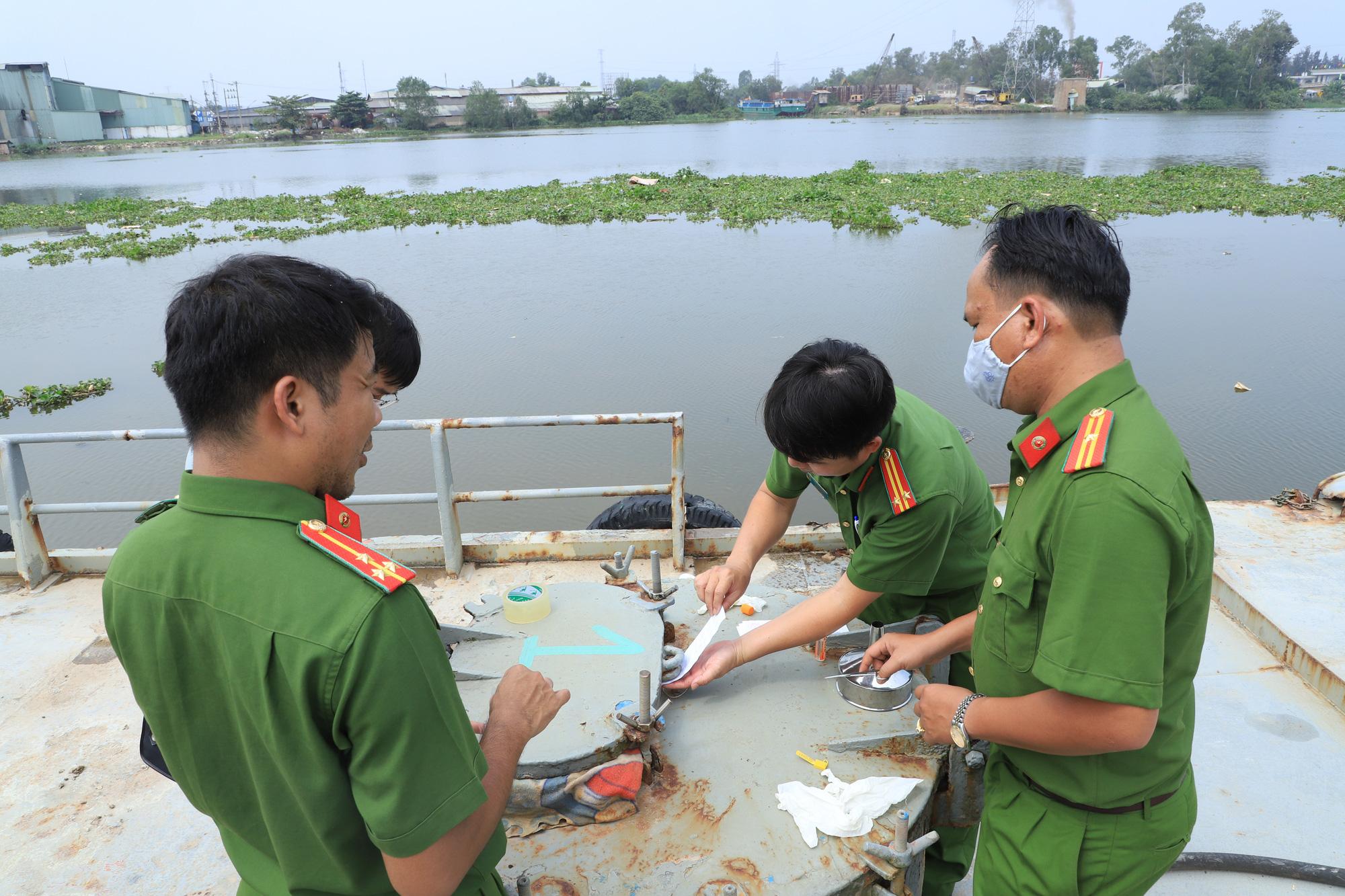 Police bust massive fake gasoline ring, arrest 26 suspects in southern Vietnam