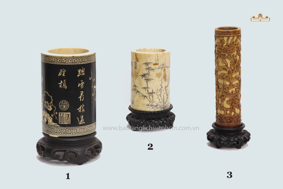 Tubes from King Minh Mang's reign (1820 – 1840).