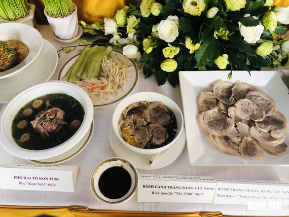Tay Ninh rice noodles, Pho Kon Tum, and 'Trang Bang Tay Ninh' at a five-star hotel in Ho Chi Minh City. Photo: Phuong Nam / Tuoi Tre