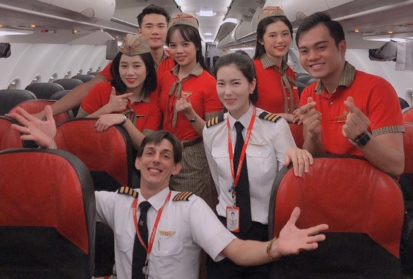 Pilot Min Hee (white shirt) used to be a cabin attendant before deciding to switch her career path.