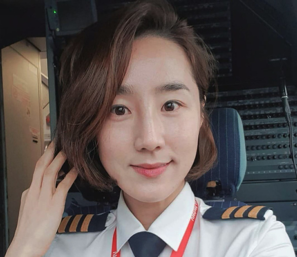 Park Ji Young is among Vietjet's current foreign pilots.