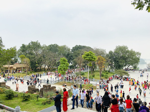 Visitors crowd Tam Chuc Pagoda Complex, the country's largest Buddhism compound, on March 14, 2021 in this supplied photo.