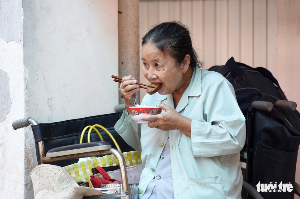 68-year-old Tran Thi Ut shared she has been a long-time vegetarian for her own peace of mind. Photo: Duyen Phan / Tuoi Tre